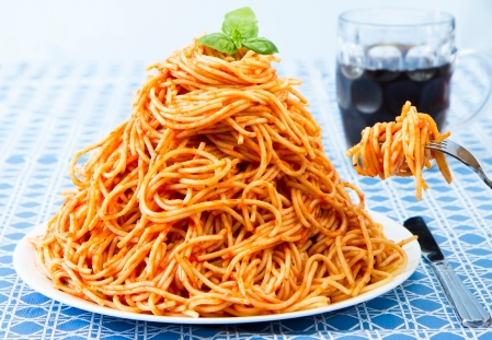 overeat-spagetti-iStock_000016901791_Large
