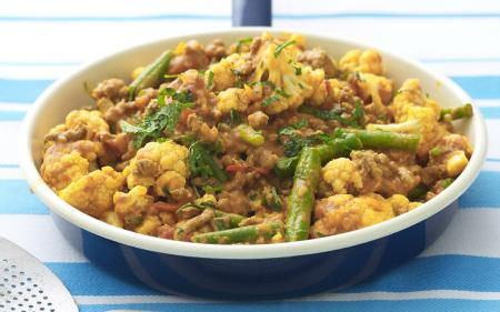 beef-cauliflower-and-bean-curry